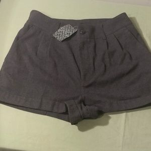 Divided by H&M Womens Size 8 Shorts Roomy NWT